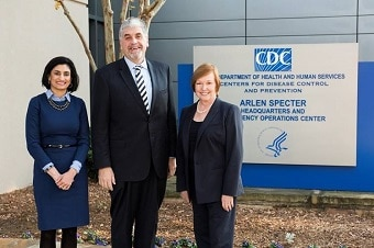 Acting Secretary Hargan visits CDC Headquarters.