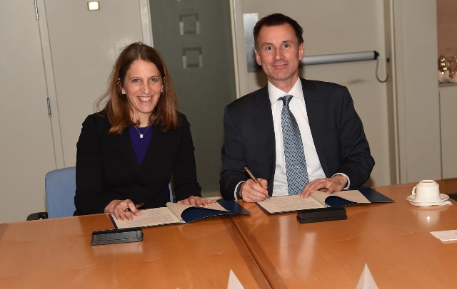 One of the forces transforming how we deliver health care is the way we safely share and safely use health data. Here, Jeremy Hunt, the UK's Secretary of State for Health, and I conclude a valuable bilateral meeting by signing an agreement on health data.