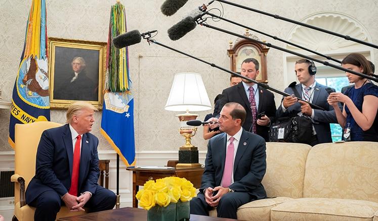 President Trump and Secretary Azar during the e-cigarette announcement